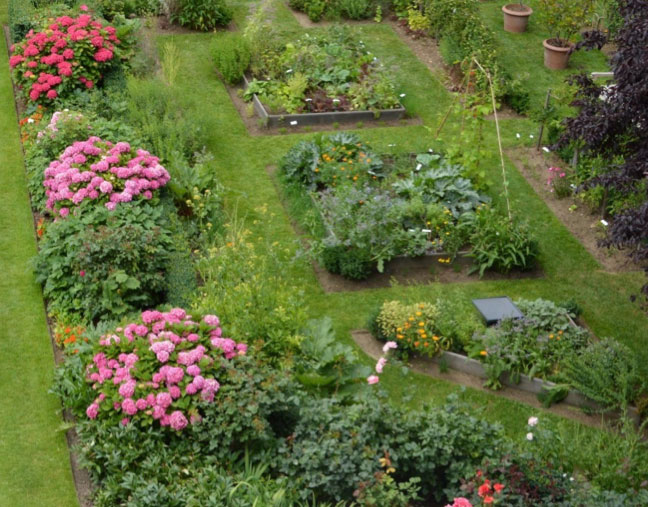 What Exactly Is A Potager Anyway? :: Randy'S Perennials & Water